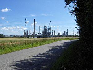 300px-HydroStatoil_raffinaderiet_i_Kalundborg