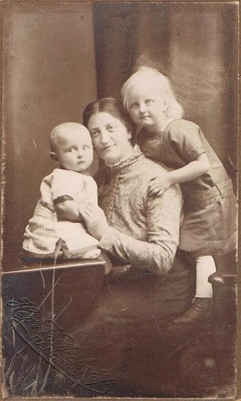 Kammas farmor  med børn