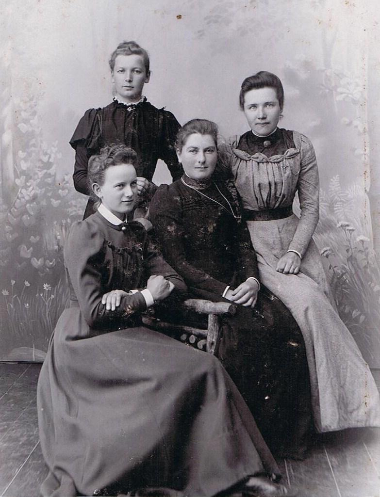 Mormor med veninder
