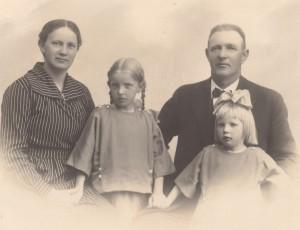 mormor og morfar med mor og ane kirstine