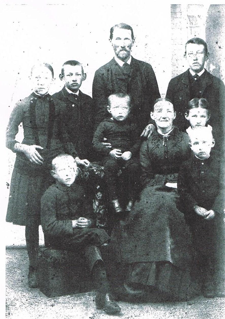 Kammas morfars forældre med børn