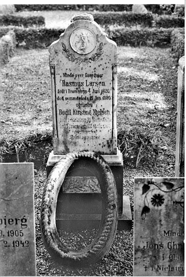 Rasmus Larsen og Bodil Kirstine gravsted